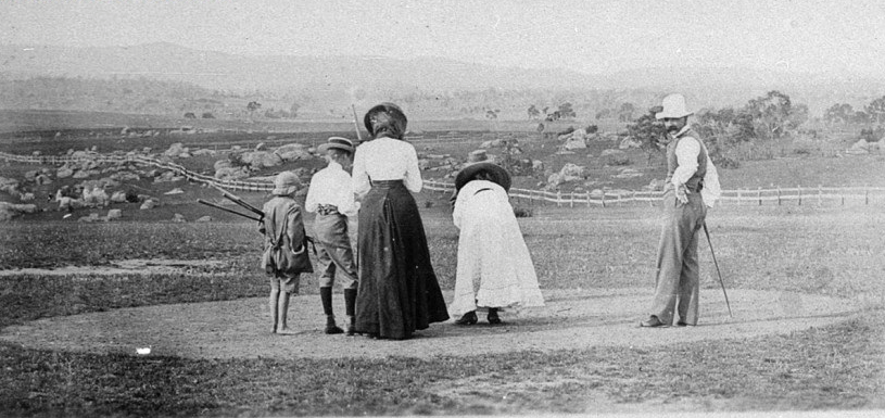 Golfing in Tenterfield in the early 1900's
